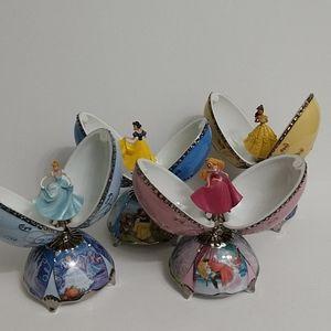 Lot x4 Disney Princess Heirloom Porcelain Eggs